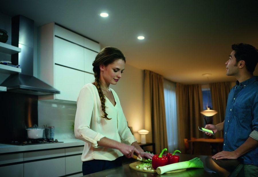 philips hue phoenix lighter recessed down light hue home lighting. Black Bedroom Furniture Sets. Home Design Ideas
