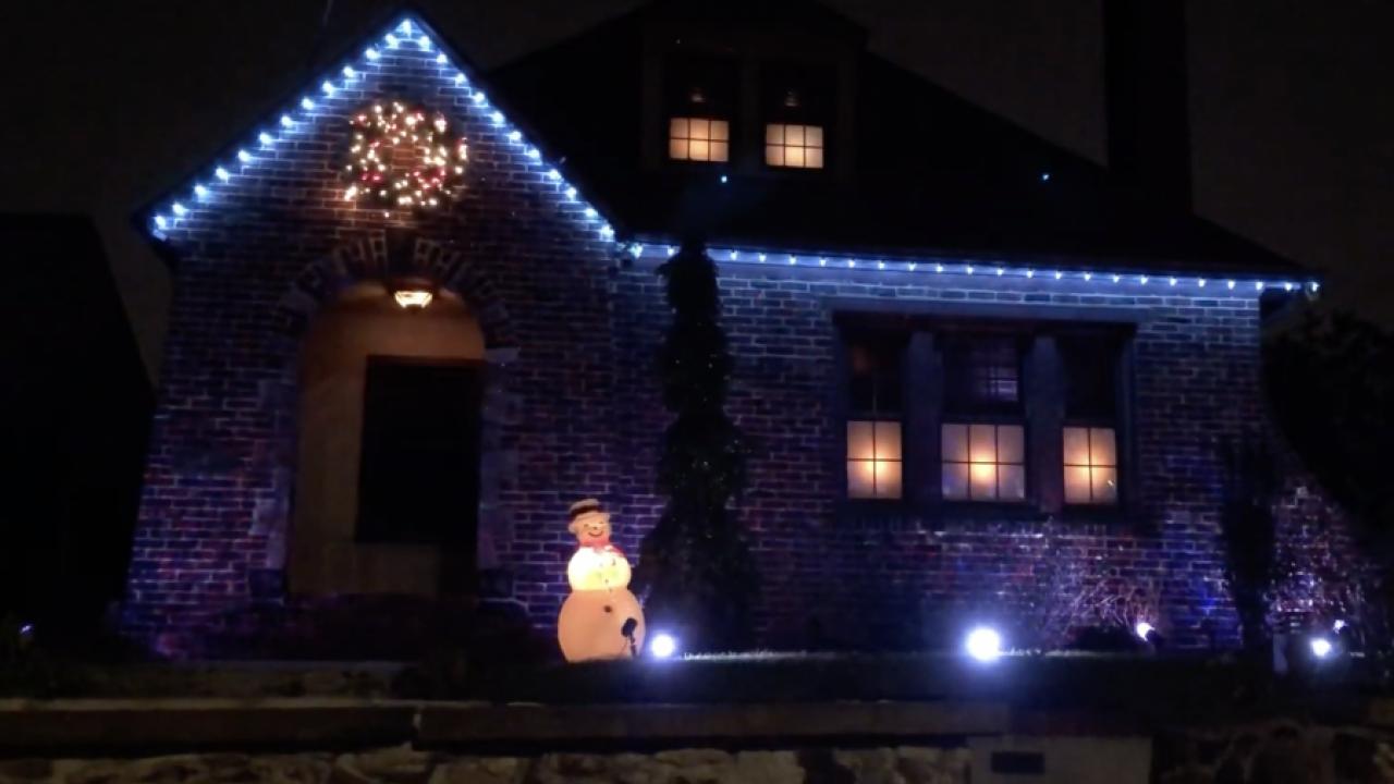 9 Amazing Christmas Lights Using Philips Hue Home Lighting