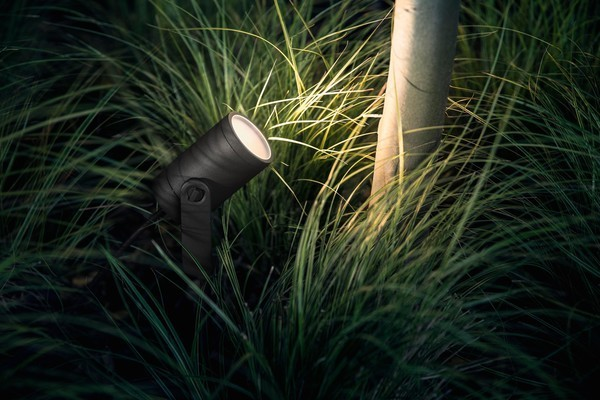 Philips Hue Outdoor Lily Spotlight Review